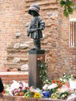 Monument over the young soldiers of Warsaw Uprising
